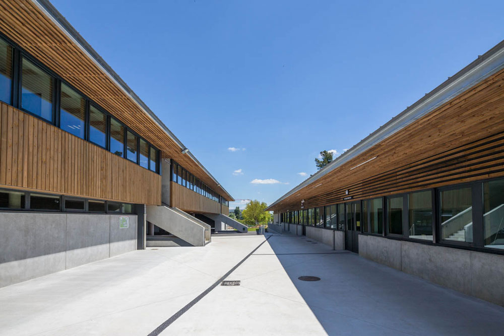 Bâtiments administratifs et salles de cours